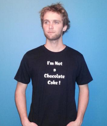 I'm Not a Chocolate Cake_T-Shirt féministe